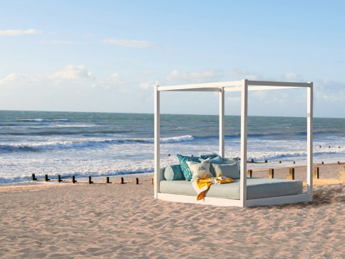 Bali Outdoor Four Poster Canopy Bed