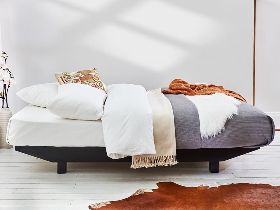 Floating Platform Bed 900x675