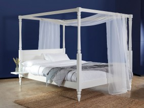 Four Poster Country Bed