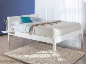 White Knight Bed (Turned Leg Option)