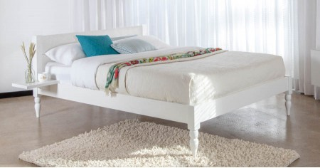 White Knight Bed (Turned Leg Option)