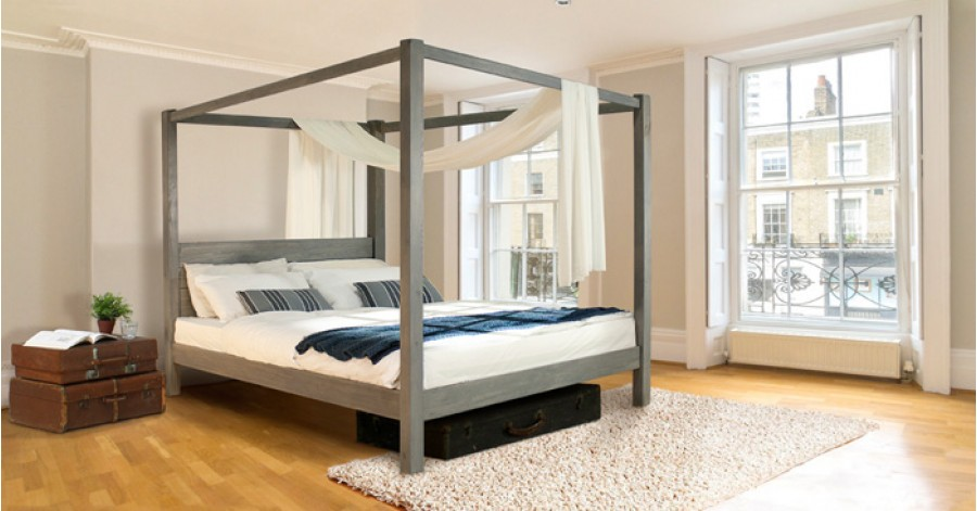 Four poster bed classic get laid beds for Four poster wooden beds