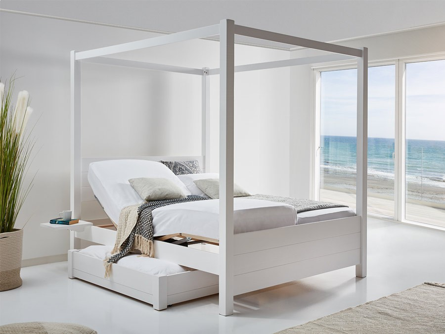 Four Poster Bed Summer Get Laid Beds