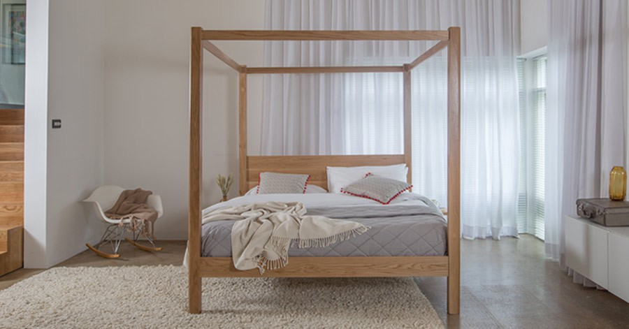 Four poster bed classic get laid beds for Wooden four poster bed