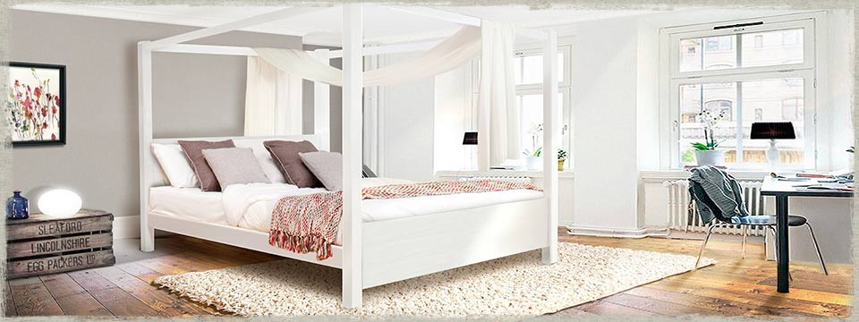 Four Poster Bed - Summer