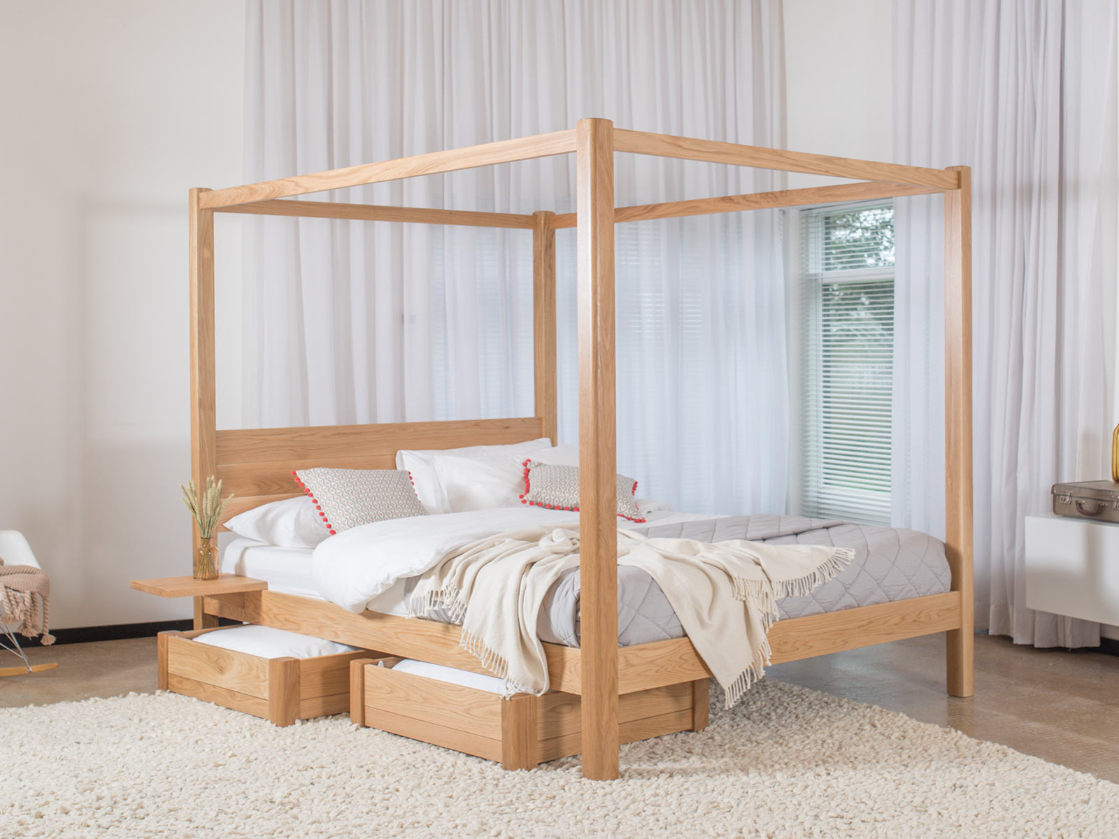Canopy Bed.Four Poster Bed Classic Get Laid Beds